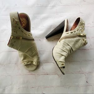 [Vince Camuto] Avo ivory leather studded Booties 7
